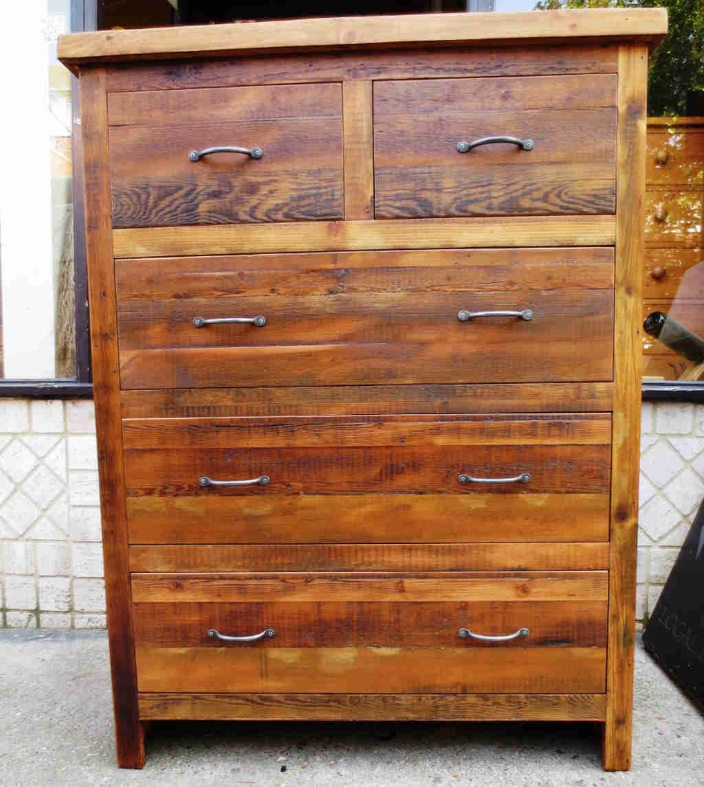 Rustic Reclaimed Chest Shaker Style